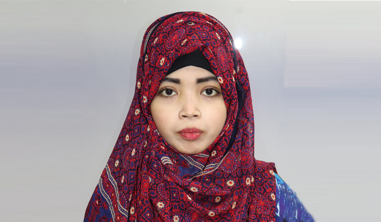 I am Rozeena Nasir